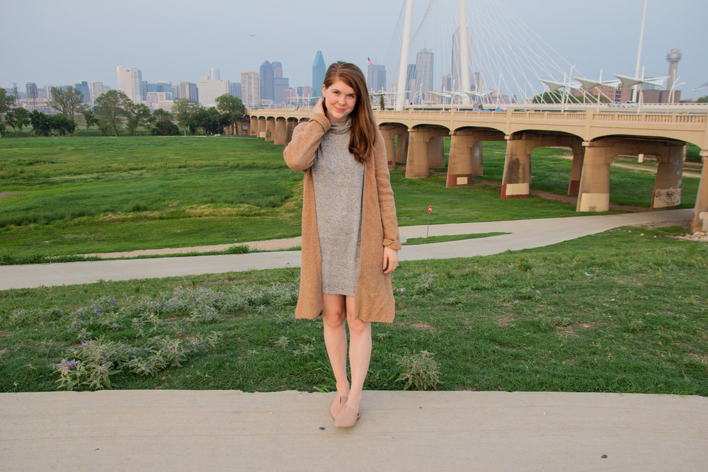 the art of versatility, easy chic, lments of style, ellespann, fall style, fall outfit inspo, aerie plush turtleneck dress, nude vince darlington flats, oatmeal cardigan, dallas blogger