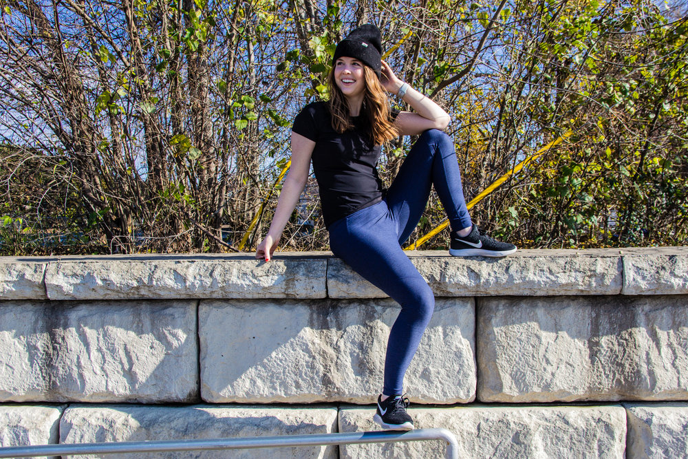 outdoor voices leggings, black nike womens tennis shoes, black madewell beanie, short sleeve performance shirt, orangetheory fitness, workout life update, lments of style, ellespann, new year resolution, best workout for the new year, fitness goals