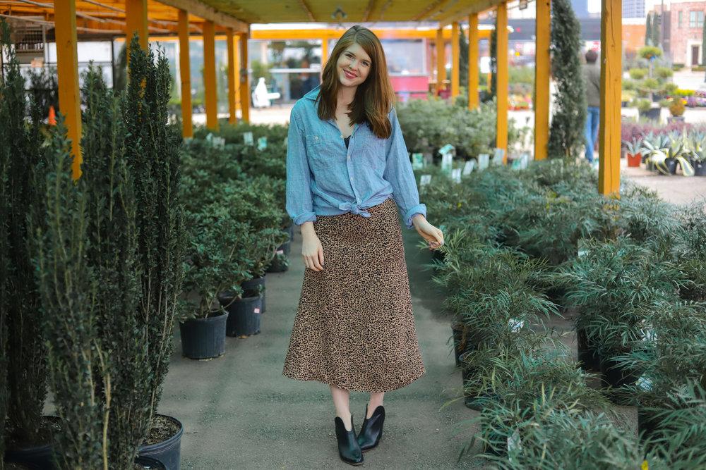 reformation bea leopard skirt, the art of versatility, ilia lipstick rosette, ruibals dallas, leopard midi skirt 3 ways, dallas fashion blogger