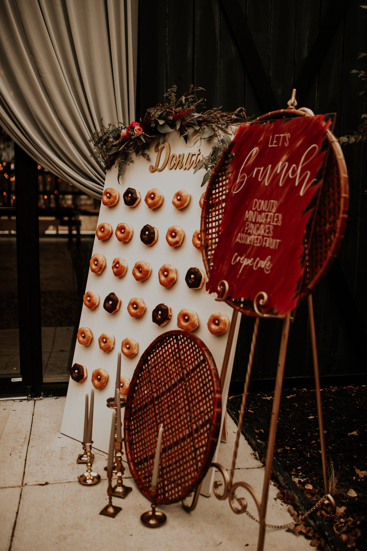 laken mackenzie photo, dallas wedding photographer, the forge venue, where to get married near dallas, boho bride, boho brunch, glam makeup, donut wall