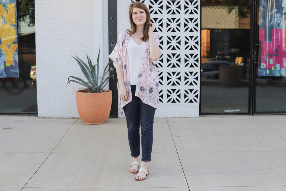 how to brighten white clothing without bleach, spring and summer whites, branch basics, lments of style, ellemulenos, nontoxic laundry detergent, loft pink vine kimono