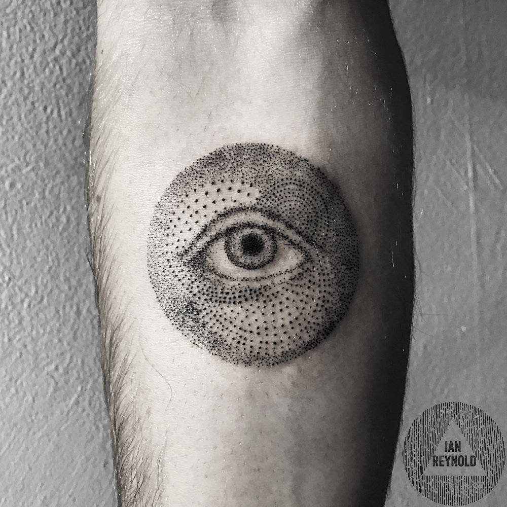 Pointillisim eye