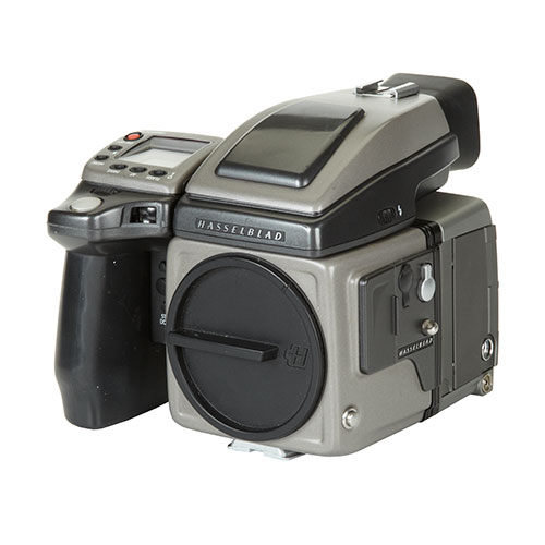 <p><strong>Hasselblad H2 + Digital Back</strong>$550 per day<br>Hasselblad H2 & Phase One P45+</p>