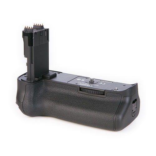 <p><strong>Canon BG-E11</strong>$15 per day<br>For Canon 5D Mark III</p>