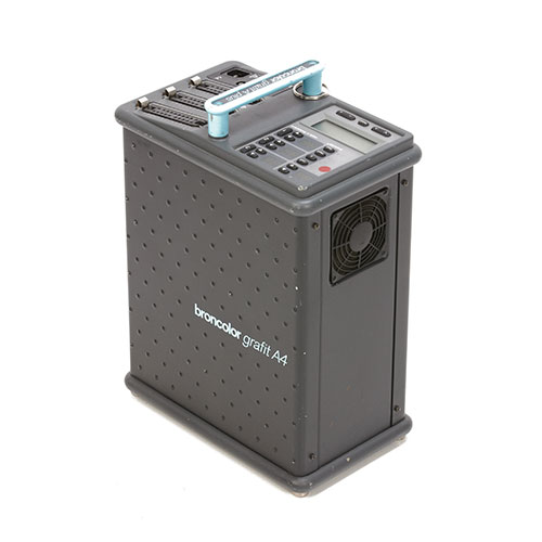 <p><strong>Broncolor Grafit A4</strong>$100 per day<br>3200ws Power Pack</p>