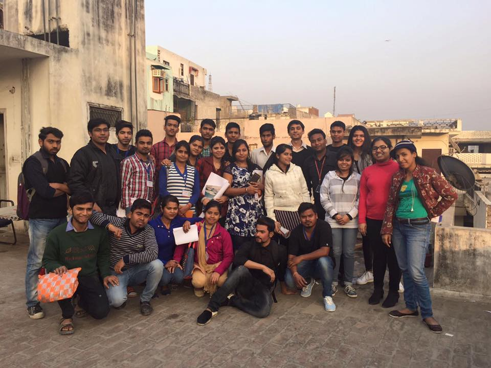 GEA Leaders Aadil, Rishi, Shreya & Vasudha with the GEA Mentees of Mehrauli, India, in January 2017