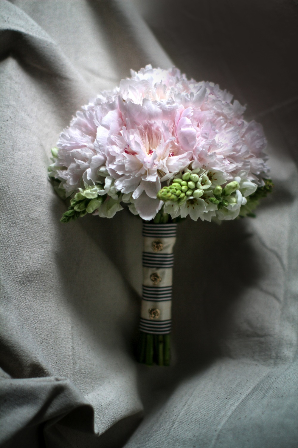 chanel_wedding10bouquets.jpg