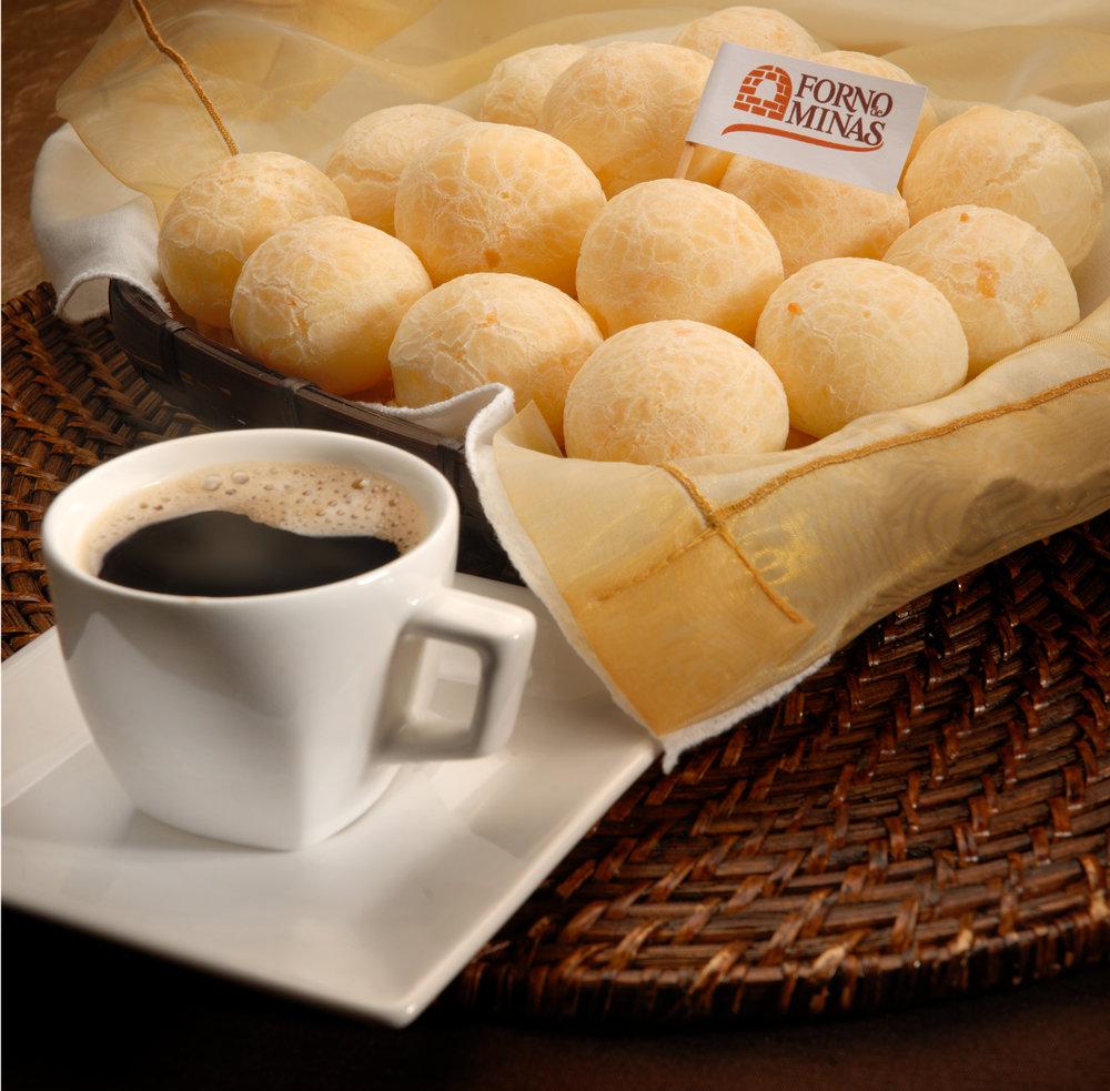 Coquetel dourado  com café.jpg