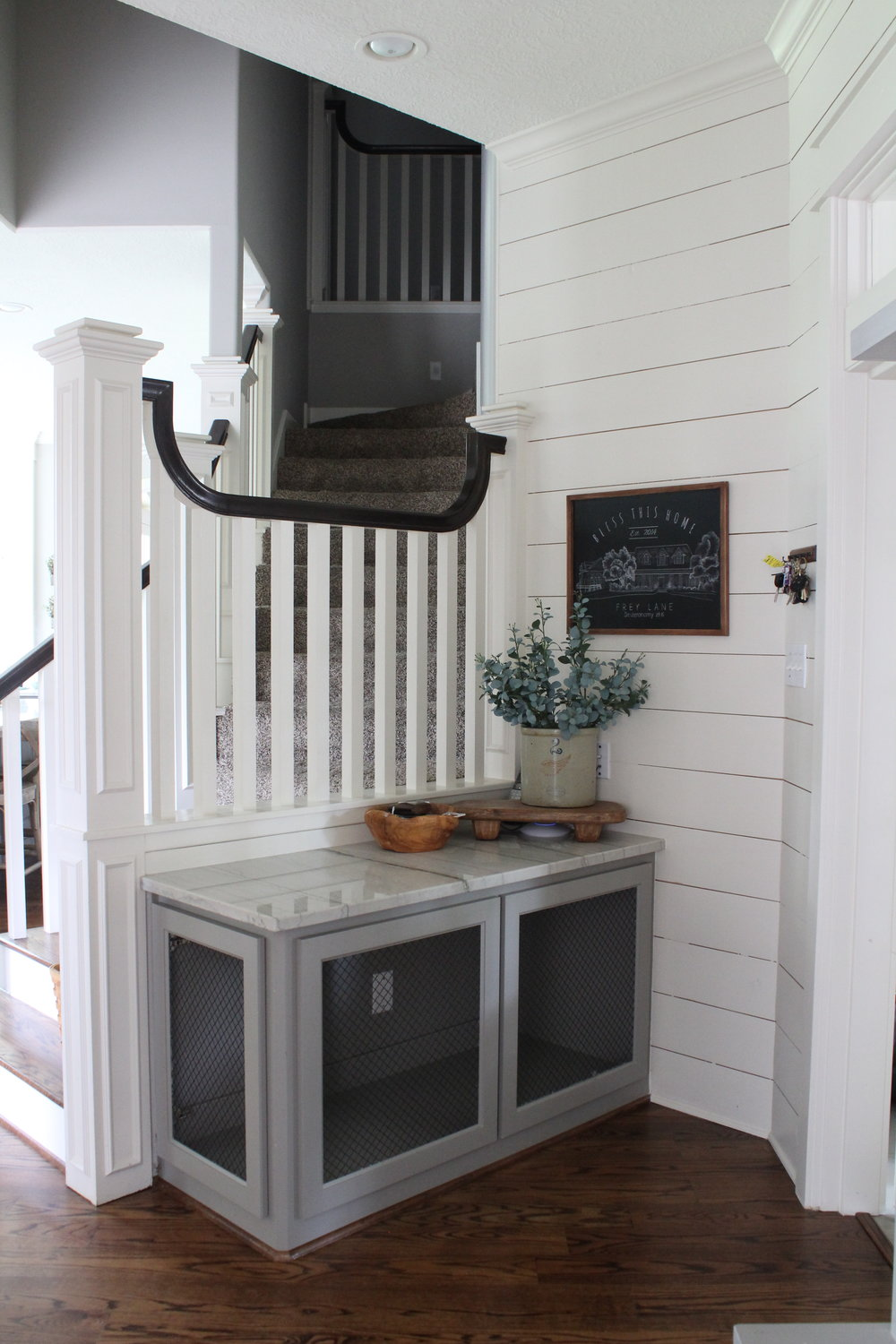 built-in mudroom dog kennel (photo credit: Southern Farmhouse Designs)