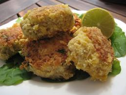 Snapper is a perfect fish for these really delicious fish cakes - but you could substitue any other white fish (eg haddock, flathead). Served with a big salad (as Elaine in Seinfeld loved!!) and/or potato makes a great dinner. The mixture can be prepared ahead of time (up to 24 hours and kept in 'fridge) and cooked just before serving. Panko (Japanese breadcrumbs) add a good light 'crust-like' coating to the cakes.