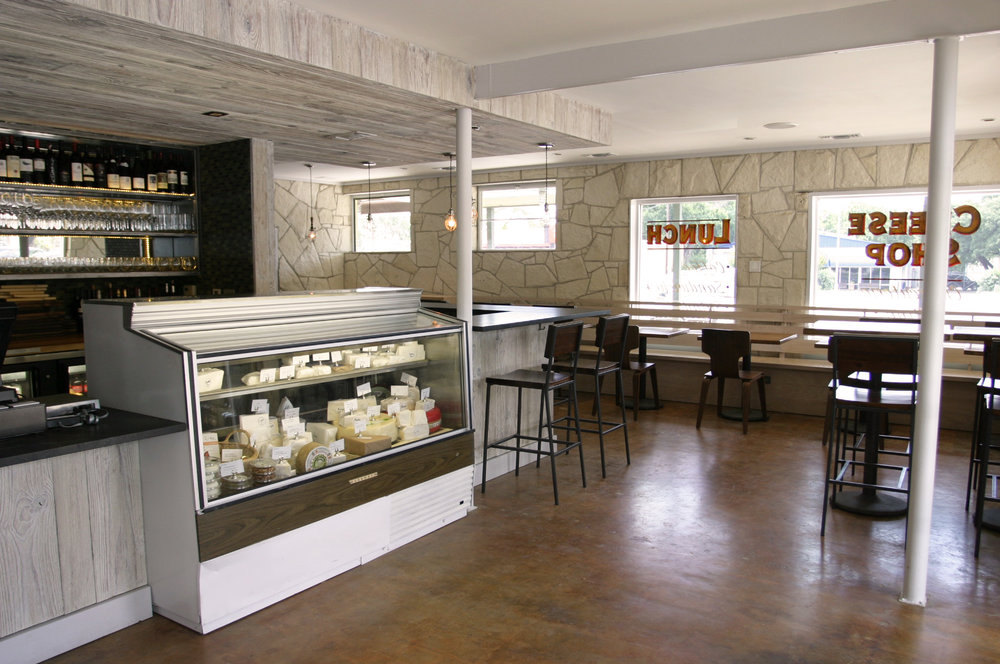 Elizabeth-Baird-Architecture-Henris-front counter.jpg