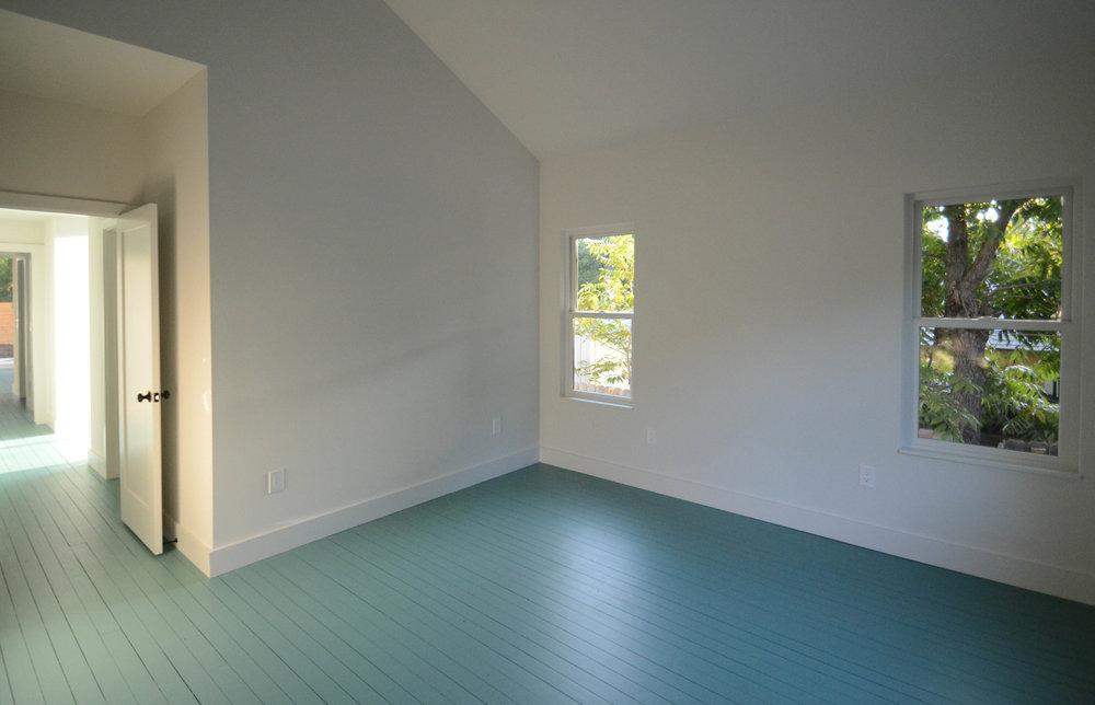 New-York-main-house-bedroom.jpg
