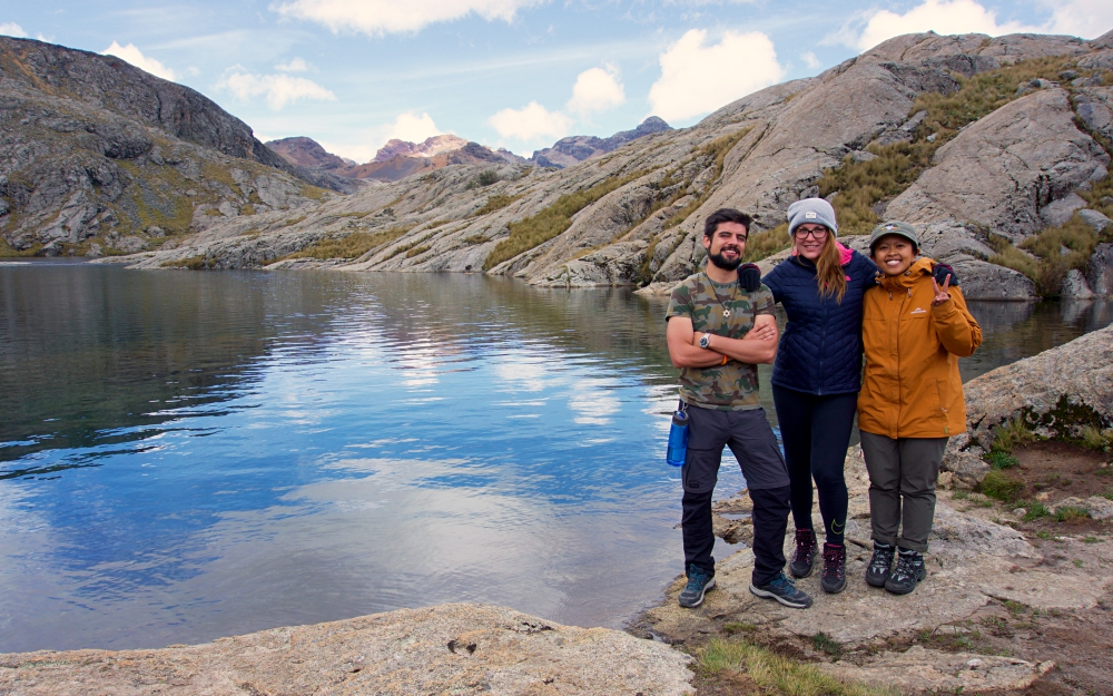 Jorge, Joanna and I at Laguna Ahuac - a great day-hike with friends I won't forget any time soon!