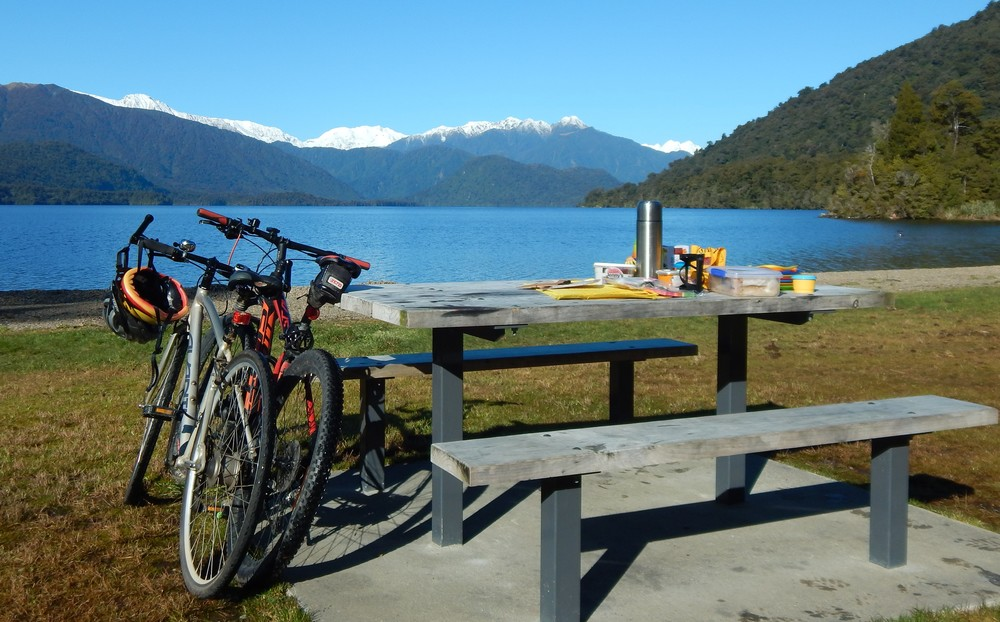 Parked up at Lake Kaniere