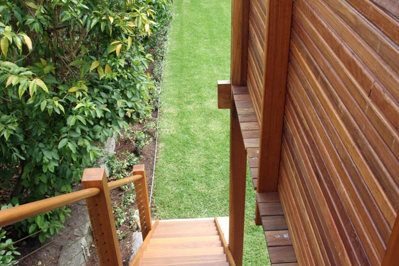 timber steps and screen.jpg