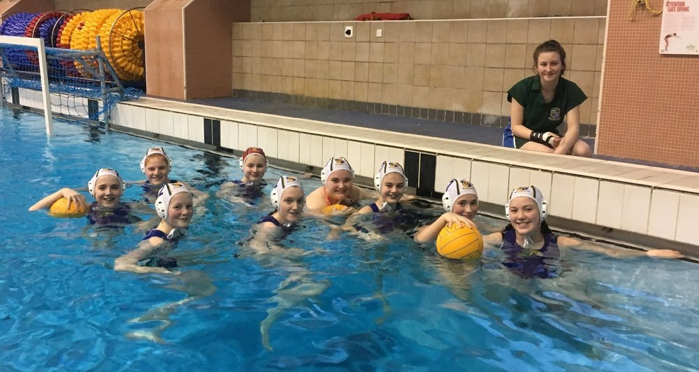 Girls U18 team