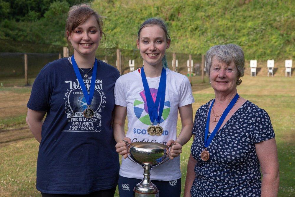 Women's 3P Confined Winners - (L to R) Jennifer McIntosh, Seonaid McIntosh, Sheena Sharp