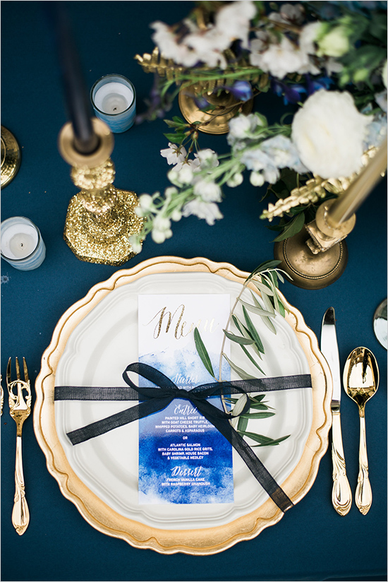 bluewhiteandgoldplacesetting.jpg