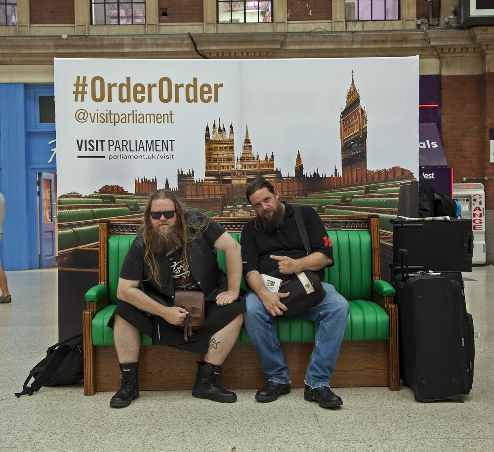 PR campaign gave commuters and visitors to London the opportunity to sit on a replica House of Commons green bench at Victoria Station