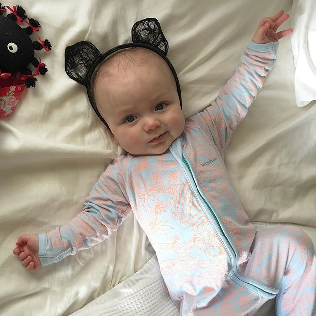 No you're a bad #parent putting old #Halloween #costumes on your unimpressed #infant. In other news, new blog up over at www.redlipswhitechina.com. Link where you'd expect it. #kitty #herekittykitty #baby #babyspam #bonds #cat #badparenting #badmoms #writersofinstagram #bloggerlife @bondsaus
