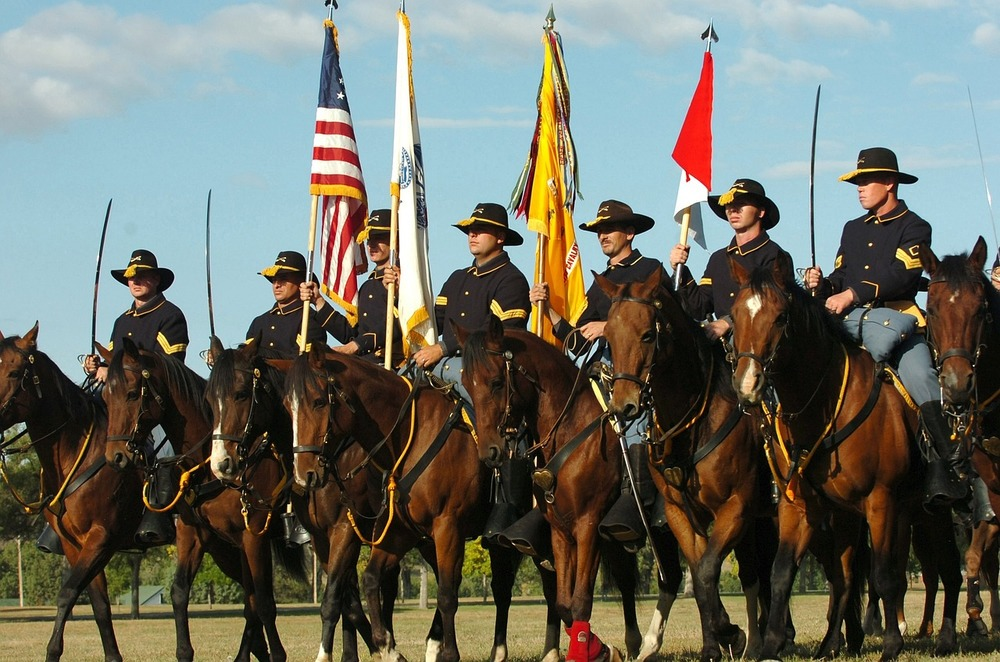 mounted-color-guard-871473_1280.jpg