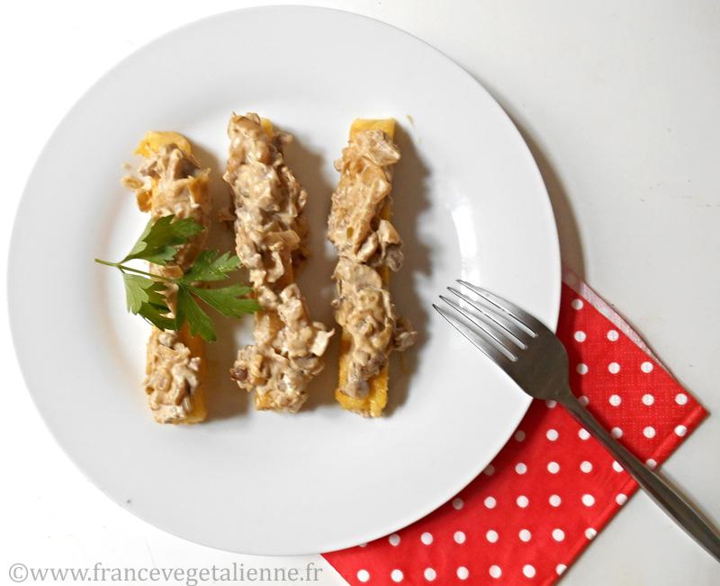Polenta à la crème de champignons (recette végétalienne)