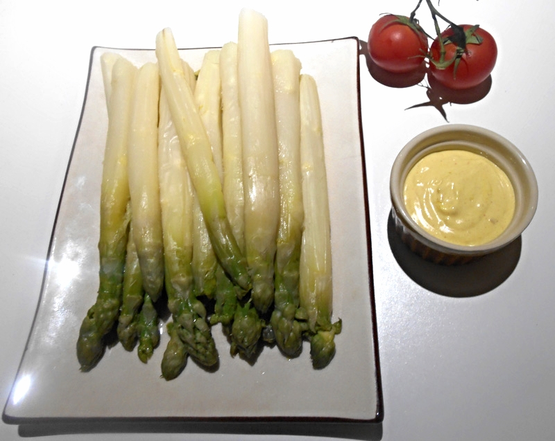 Asperges sauce mousseline (vegan)