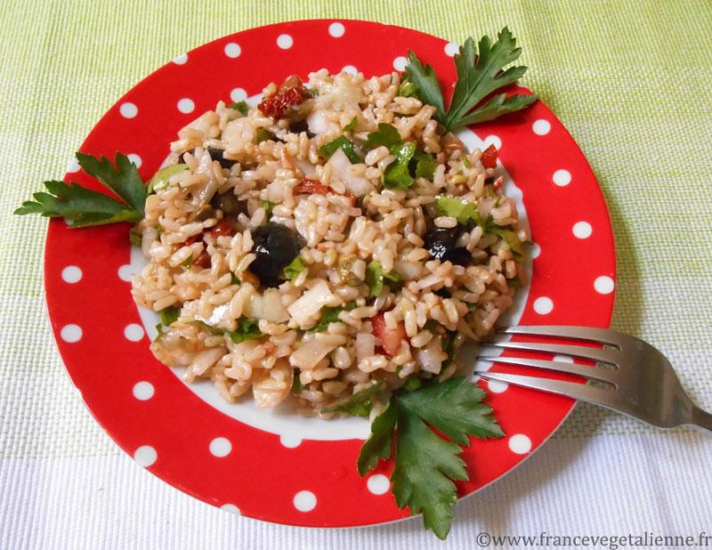 Salade de riz méditerranéeene (vegan)
