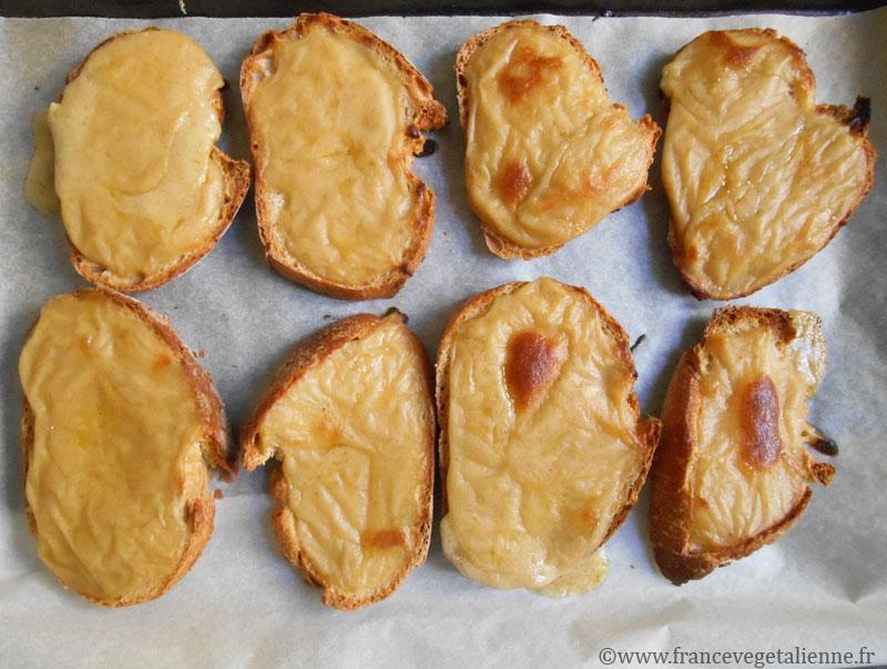 Croûtes-au-fromage-véganes-préparation.jpg