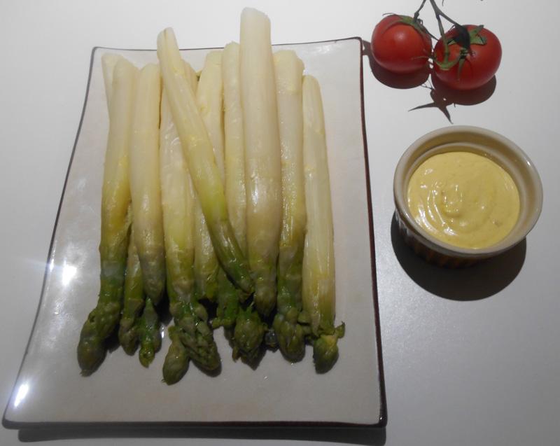asperges sauce mousseline v g talien vegan france v g talienne. Black Bedroom Furniture Sets. Home Design Ideas