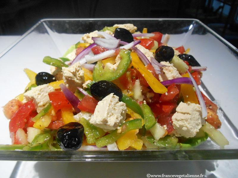 Salade grecque (recette végane)