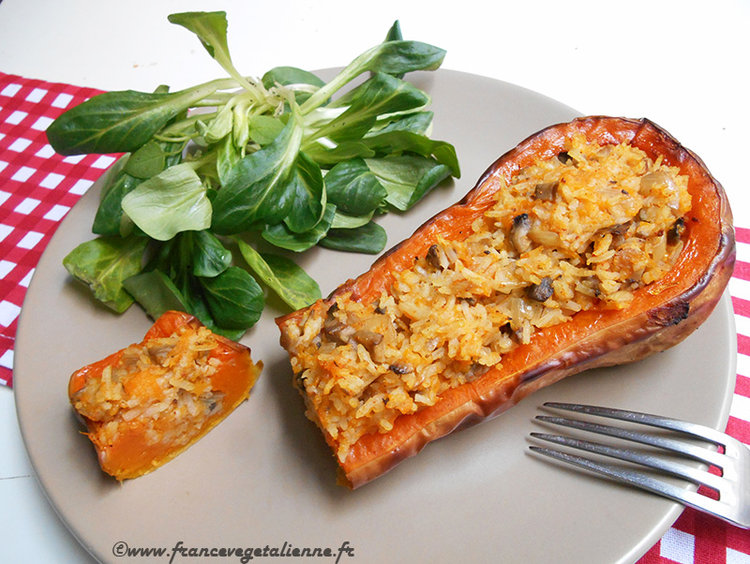 Sujet unique : Recettes Vegan pour tous ! - Page 4 Courge-butternut-farcie-recette-v%C3%A9g%C3%A9talienne