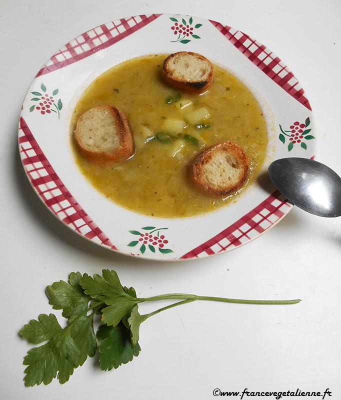 Potage poireaix - pommes de terre (recette végane)