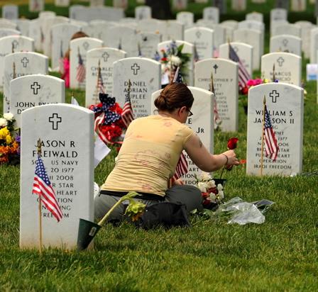 memorialday-cemetery