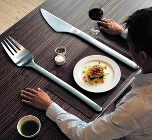 huge-knife-and-fork