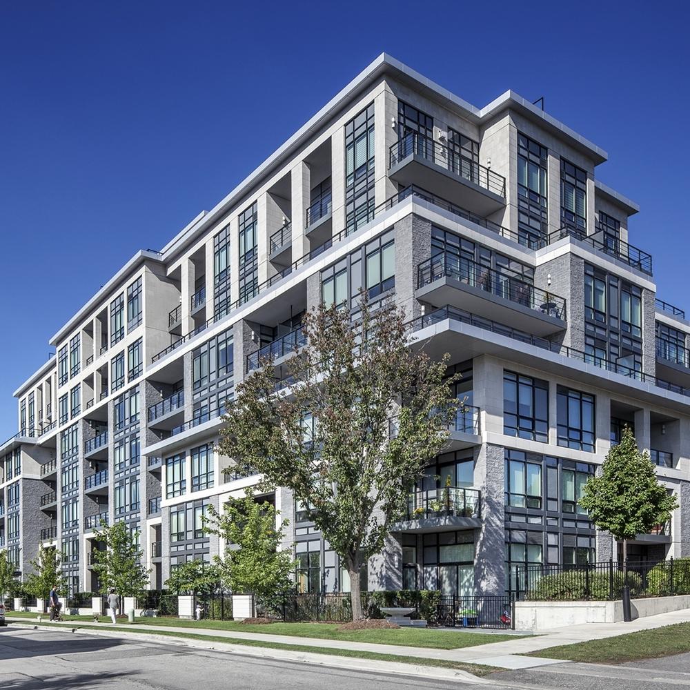 2013:Twenty-One Clairtrell Condos - Toronto, Ontario
