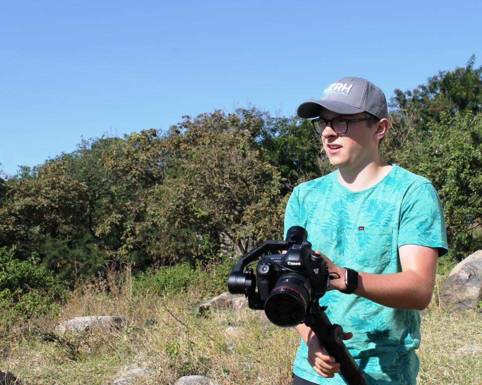 will n camera3_com.JPG