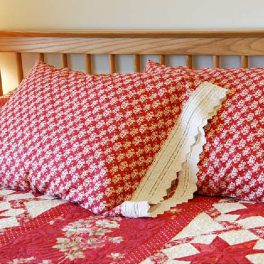Crimson Ribbons Pillowcase<br />FREE PATTERN