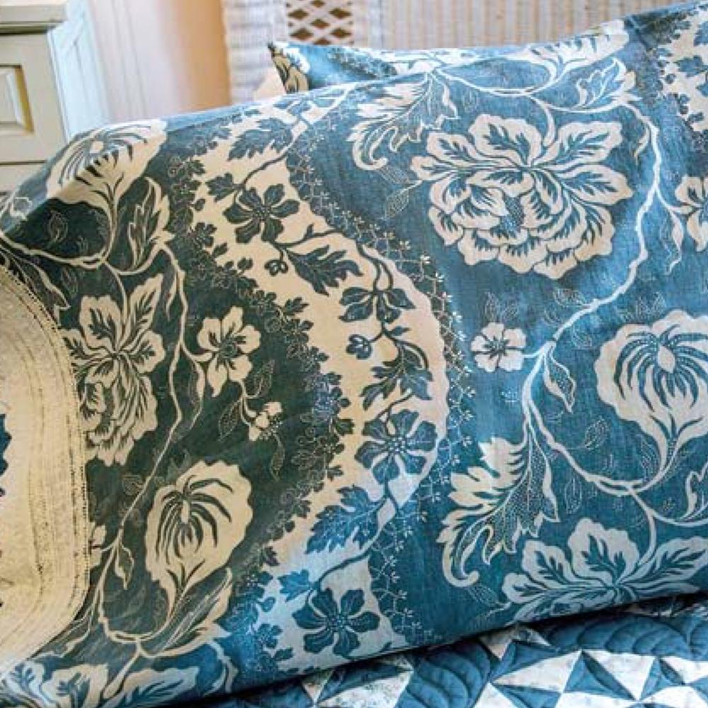 Something Borrowed, Something Blue Pillowcase<br />FREE PATTERN