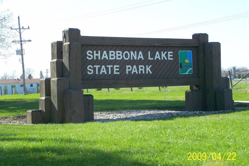Shabbona Lake State Park Sign.. Park Entrance.jpg