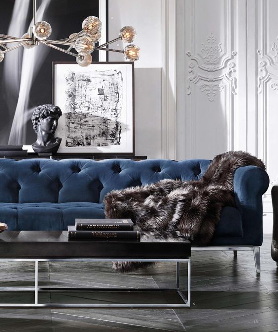 Elegant chesterfield sofa in navy velvet | Image:  Pinterest