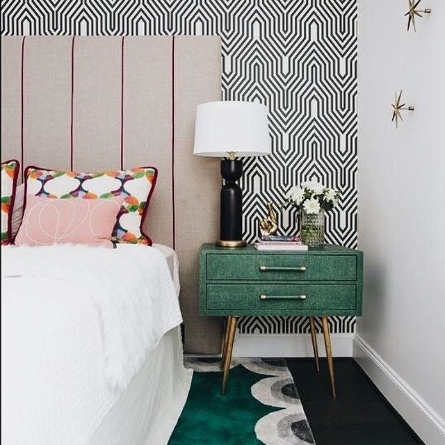 Happy Saturday!! Hope you're able to catch some extra 😴 this weekend! I would love to lie-on here in this stunning bedroom with my munchkins downstairs out of ear shot 😉I have always adored the magnificent Minaret wallpaper by @osborneandlittle and here it forms a beautiful backdrop to the sophisticated colour palate and fabulous pieces while providing contrast and bringing some edge. Gorgeous!! 🙌 📸 Pinterest #thedesignbug . . . . . . #saturday #wallpaper #artdeco #bedroom #osborneandlittle #pink #green #colourpalate #colour #interiors #interiordesigner #design #decor #interiorinspiration #interiorinspo #inspo #style #homedecor #irishblog #luxeinteriors #interiorblog #interiordecor #interiorstyling #instainteriors #instadecor #instagood #love