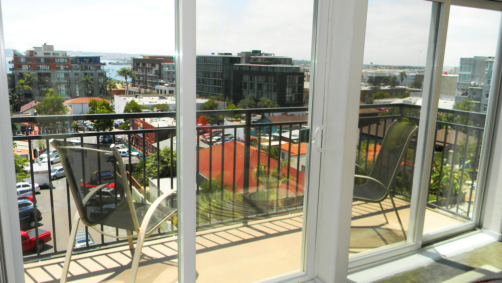 balcony3.jpg