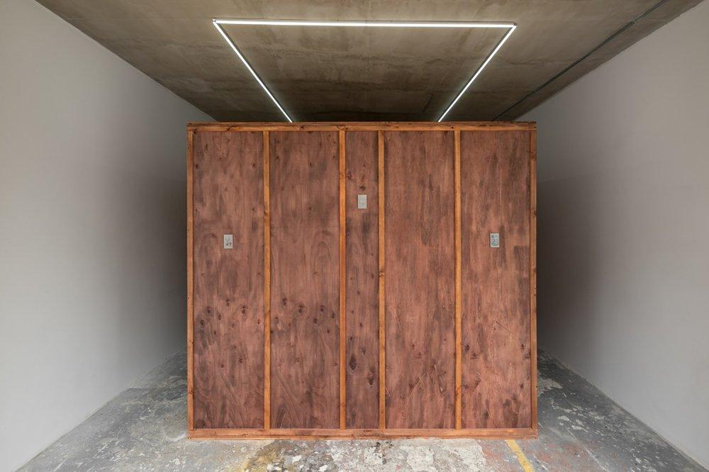 Matias Armendaris, 'huésped' (host), 2018, installation view