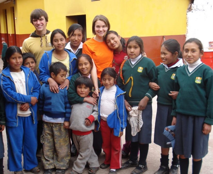 Emily Trace '10 and Benjamin Shenk '15 on a trip to Yanamanchi, the school in Lucre, Peru, that received support through Project Open Arms.