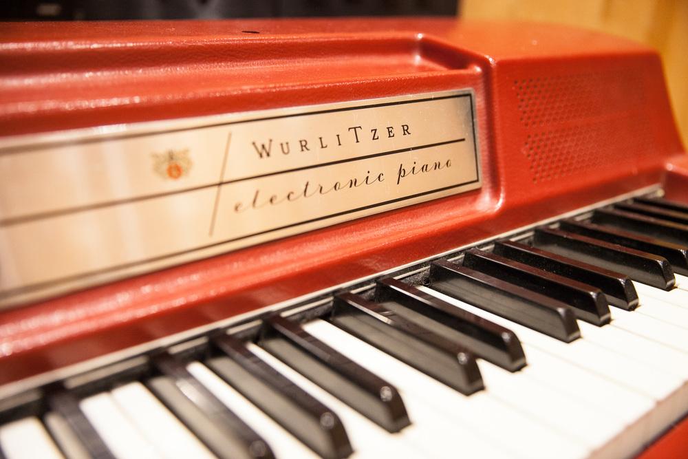 WURLITZER 200 ELECTRIC PIANO