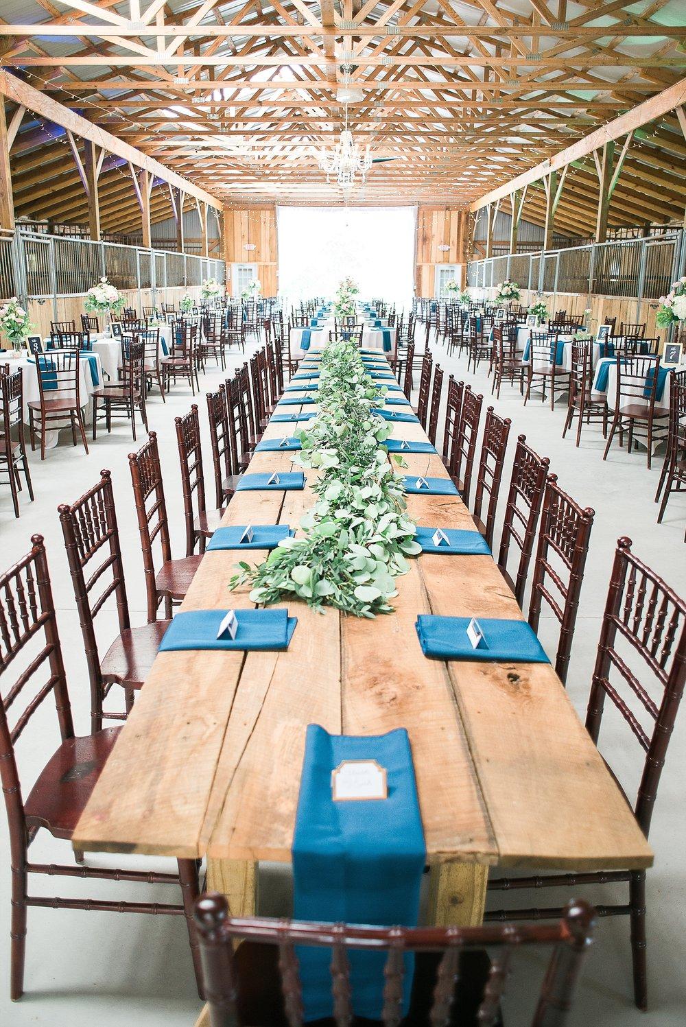 bluegrass-wedding-barn-reception-area