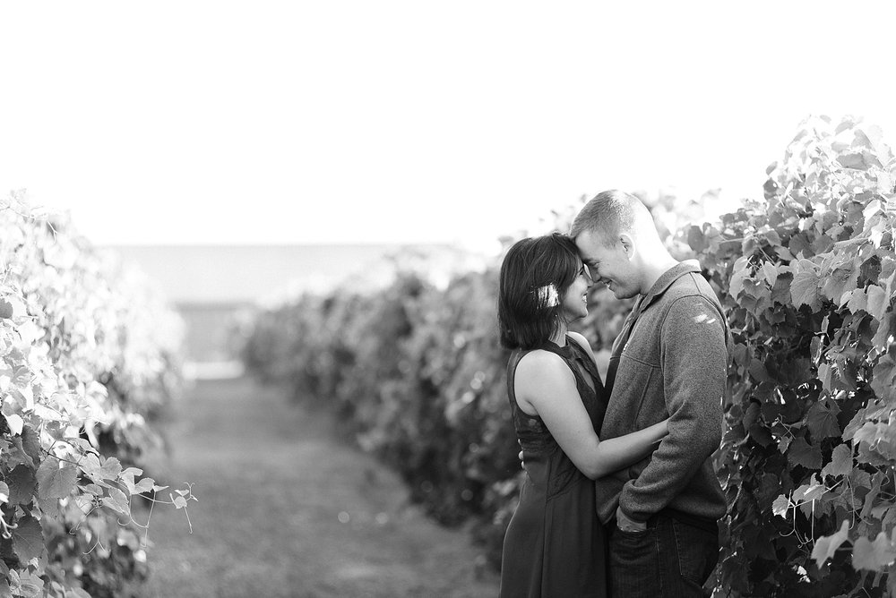 grapevine-winery-engagement-session