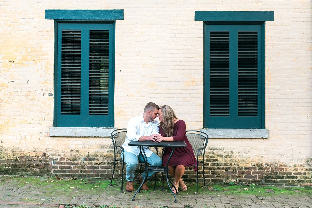 engagement-pics-at-henry-clay-estate
