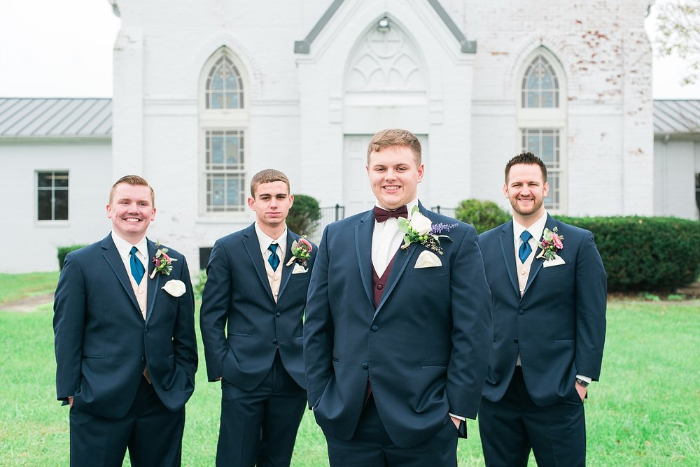 groom-groomsmen-portraits